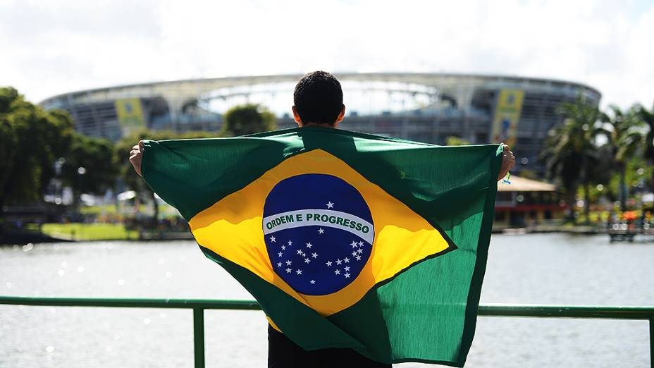 Torcedor chega à Fonte Nova durante a Copa das Confederações