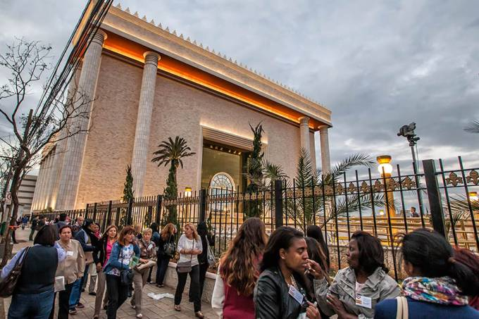 brasil-iurd-templo-de-salomao-igreja-universal-20140729-003-original.jpeg