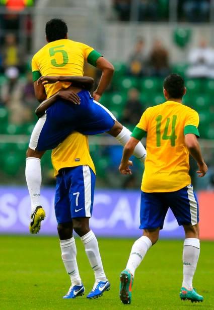 Comemoração do primeiro gol do Brasil contra o Japão