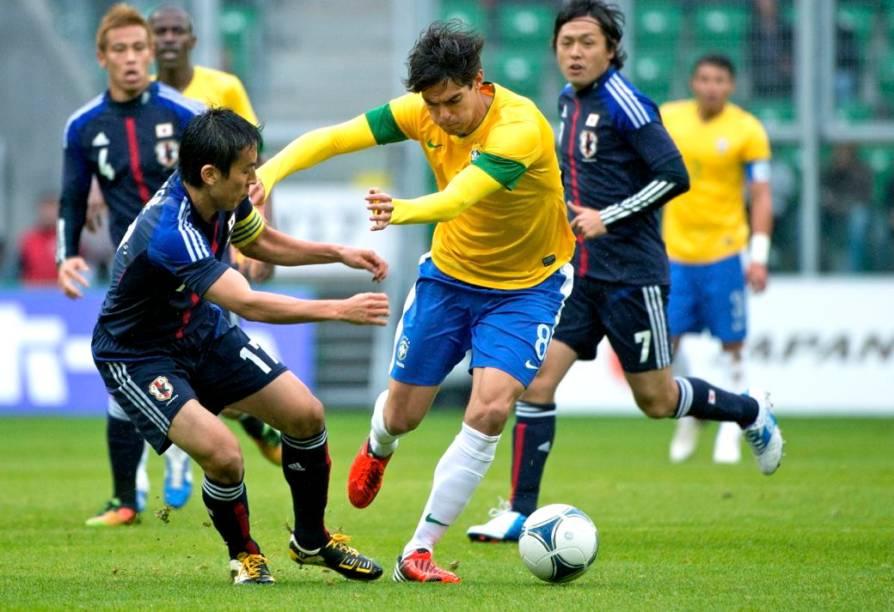 Kaká no amistoso entre Brasil e Japão, na Polônia