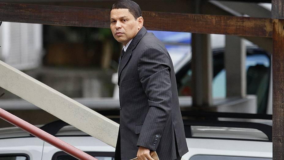 Mizael Bispo chega nesta quinta feira (14), para o quarto dia de julgamento, no fórum de Guarulhos, pelo assassinato da advogada Mércia Nakashima em maio de 2010