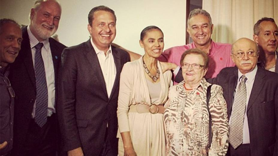 Cúpula do PSB confirma candidatura de Eduardo Campos e Marina Silva para disputa presidencial