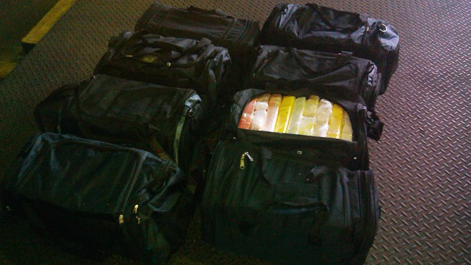 Maior parte da cocaína era colocada em malas simples e jogada em meio a commodities