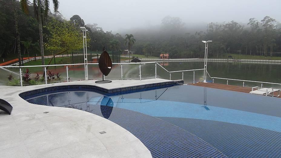 Traficante que operava no Porto de Santos tinha sítio com piscina, deck e lago natural