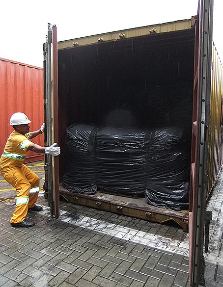 Apreensão de cocaína em carga de couro que seria entregue na Itália