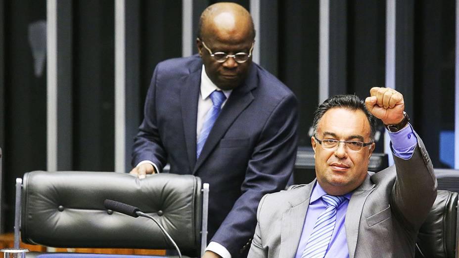 André Vargas (PT/PR), vice-presidente da Câmara dos Deputados, e Joaquim Barbosa. Durante cerimônia de abertura dos trabalhos legislativos de 2014 no Congresso Nacional