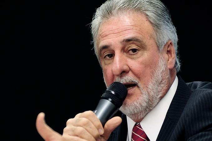 brasil-politica-carlos-melles-dem-20101116-001-original.jpeg