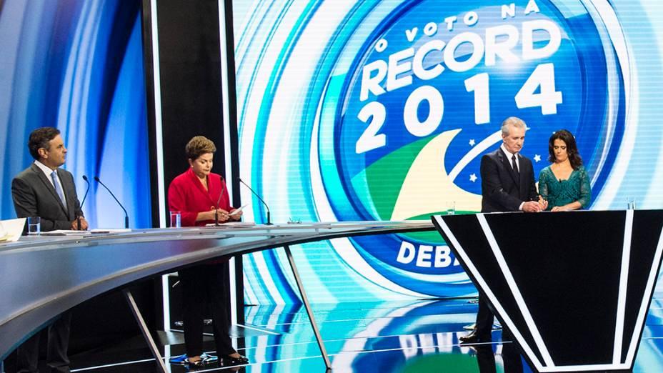 Na reta final da campanha, os presidenciáveis participaram na noite deste domingo (28), do debate promovido pela Rede Record e com transmissão ao vivo para todo o Brasil. Aécio Neves (PSDB), Dilma Rousseff (PT), Eduardo Jorge (PV), Levy Fidelix (PRTB), Luciana Genro (PSol), Marina Silva (PSB), Everaldo Pereira (PSC)