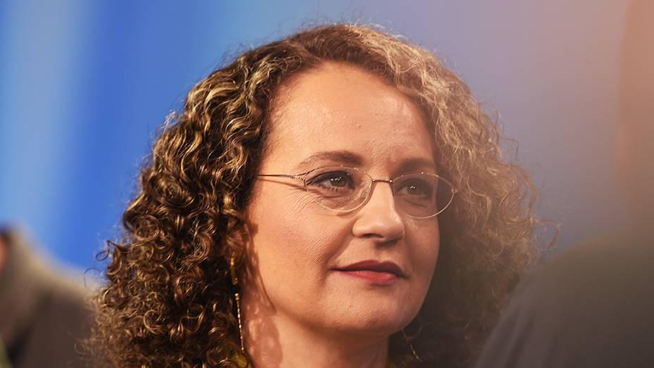 A candidata do PSOL à Presidência da República, Luciana Genro, durante o intervalo do debate promovido pela Rede Record, em São Paulo