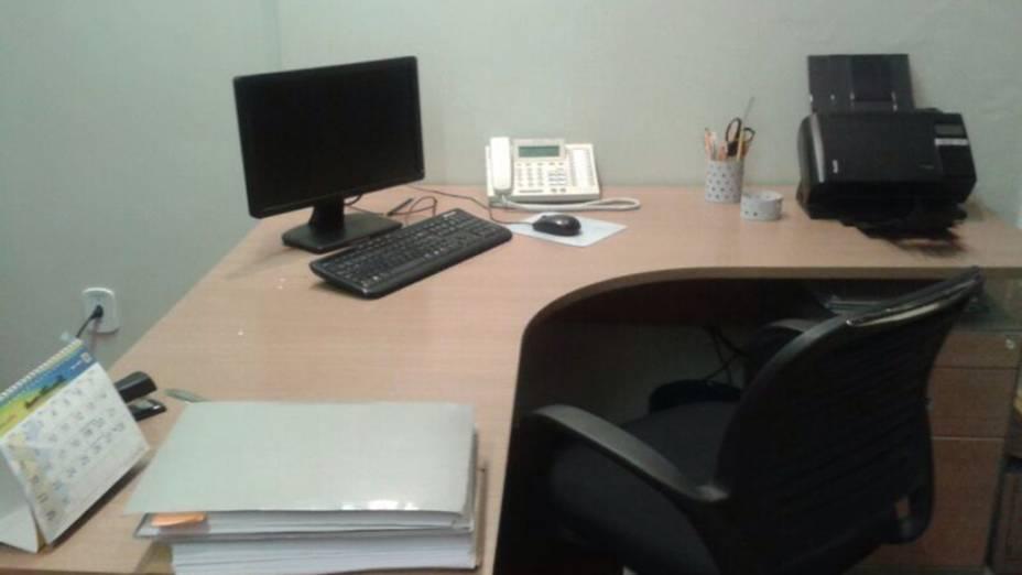 Mesa de trabalho de José Dirceu em seu novo emprego no escritório do advogado criminalista José Gerardo Grossi