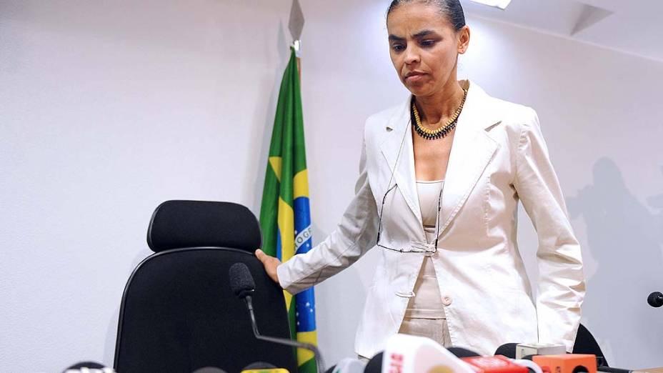 Marina Silva durante coletiva de imprensa em que anunciou sua saída do PT em 2009