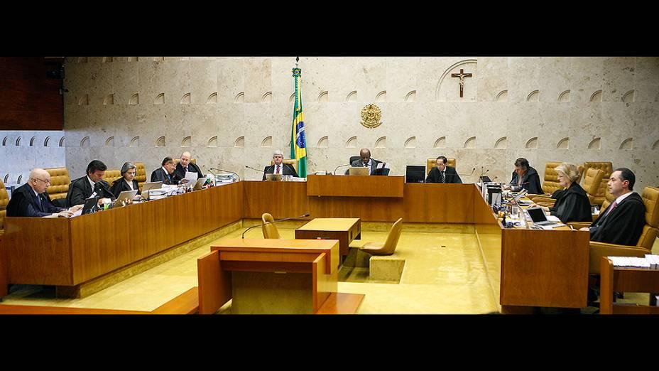 Ministros do STF durante julgamento dos embargos no caso do Mensalão