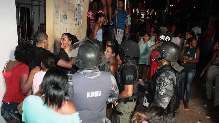 Polícia Militar tenta conter rebelião em Pedrinhas