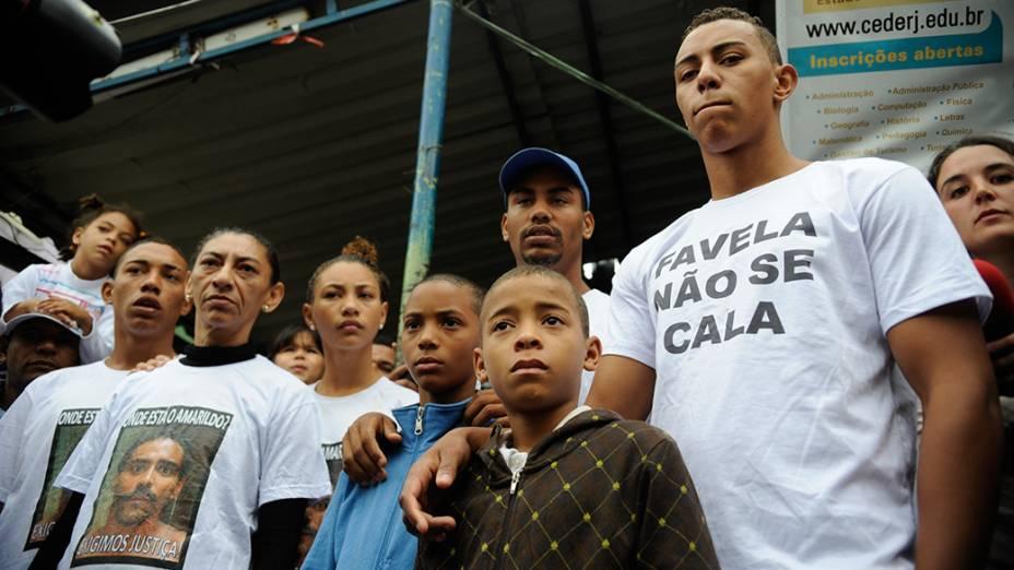 A Anistia Internacional promove na comunidade da Rocinha, um ato de solidariedade à família do ajudante de pedreiro Amarildo de Souza, no Rio