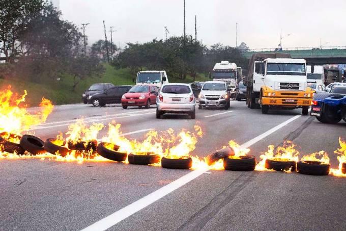 brasil-protesto-anchieta-20130619-01-original.jpeg
