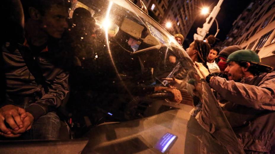 Manifestação contra o gasto de dinheiro público utilizado na visita do papa Francisco