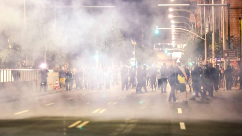 Confrontos durante manifestação contra o gasto de dinheiro público utilizado na visita do papa Francisco