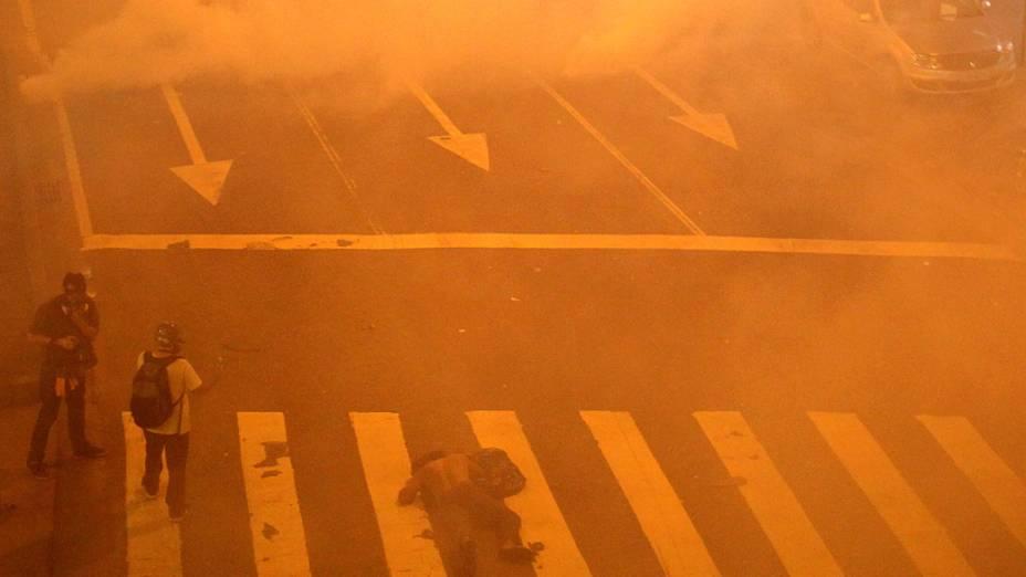 Rio de Janeiro - Polícia usa gás lacrimogêneo para dispersar manifestantes