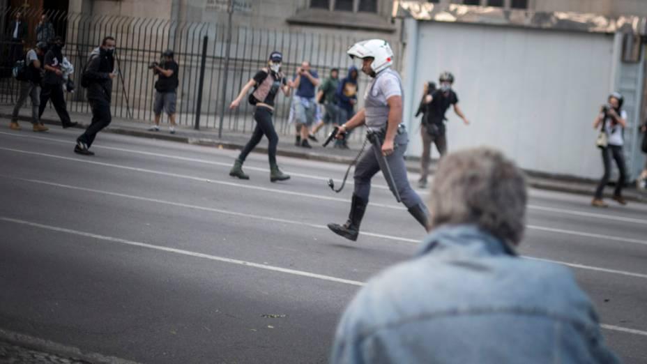 São Paulo - Manifestantes entraram em confronto com a polícia durante protesto no centro da cidade