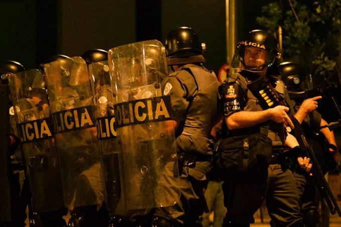 brasil-protestos-black-bloc-20140619-23-original.jpeg
