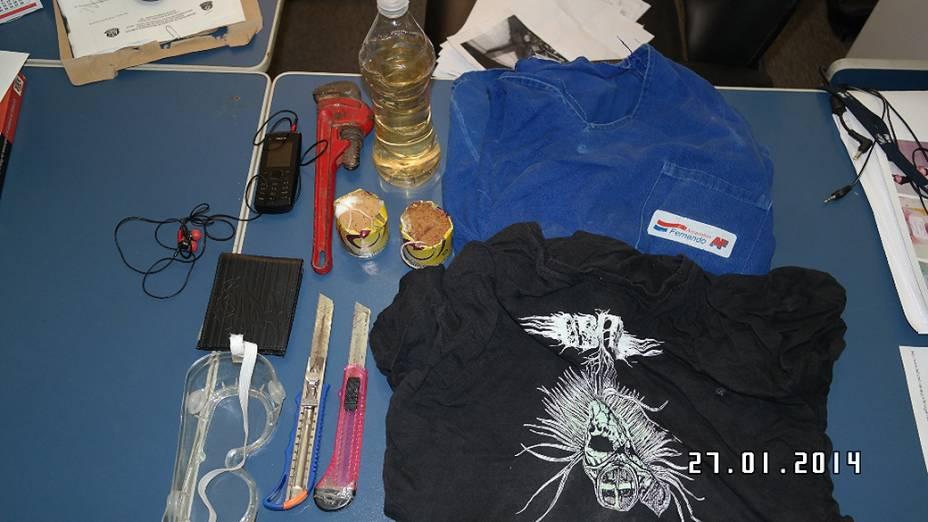 De acordo com a polícia, material apreendido com manifestante incluía material explosivo, além de estiletes, uma máscara e uma chave grifo