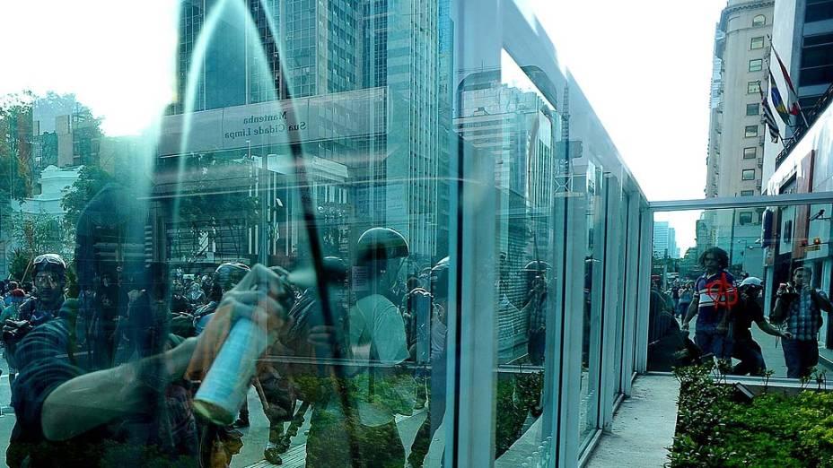 São Paulo - Manifestantes realizam protesto na avenida Paulista