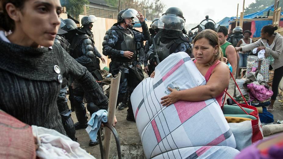 Confrontos durante reintegração de posse do terreno da empresa de telefonia Oi, situado no Engenho Novo, Zona Norte do Rio