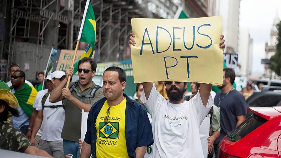 Manifestantes durante a Marcha da Família, em São Paulo