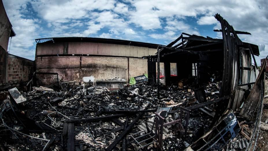 Galpão incendiado em Itajaí, Santa Catarina