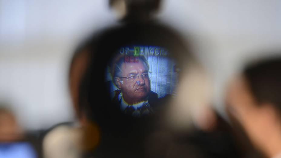 O governador de Santa Catarina, João Raimundo Colombo, se reúne com o ministro da Justiça, José Eduardo Cardozo em Brasília para negociar transferência de presos e liberação de recursos