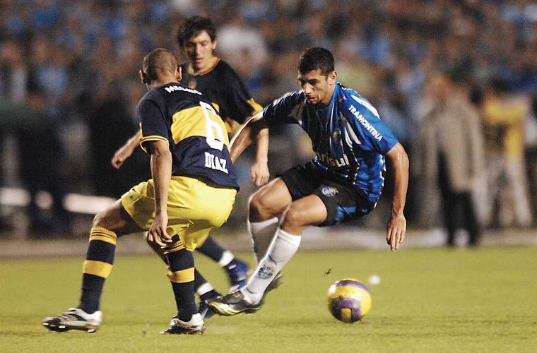 O Grêmio perdeu por 2 a 0 para o Boca Juniors em pleno estádio Olímpico, deixando o título de 2007 com os argentinos.