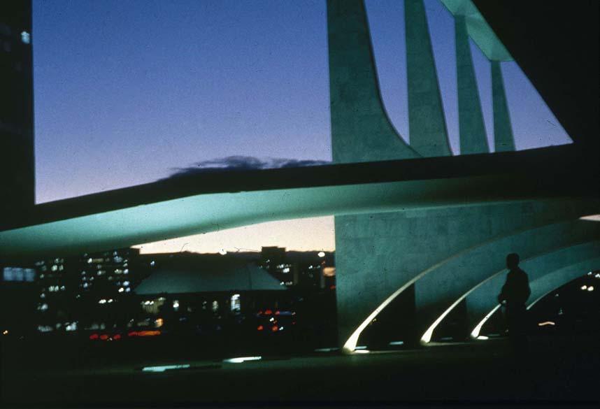 Vista noturna do Palácio do Planalto, em Brasília