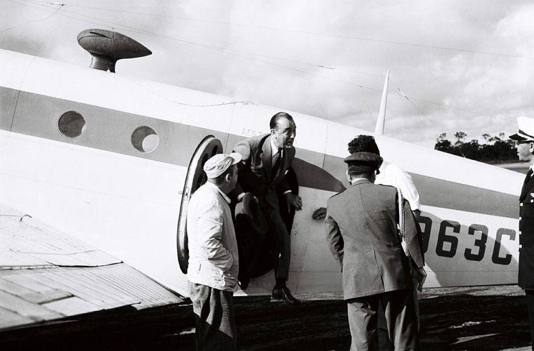 JK desembarca em Brasília, em março de 1958.