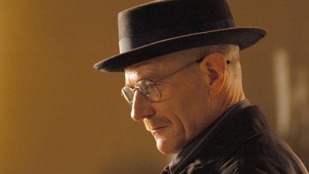 A segunda parte da transformação visual de Walt é o chapéu de feltro adotado pelo personagem quando ele quer se passar por Heisenberg, em um estilo que lembra o de criminosos interpretados por Gene Hackman e Robert de Niro nos filmes 'Operação França', de William Friedkin, e 'Caminhos Perigosos', de Martin Scorsese, respectivamente