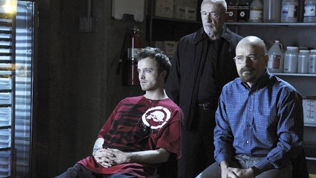 As dúvidas duram pouco e ele logo volta a trabalhar no crime, dessa vez, montando uma parceria entre ele, Jesse e Mike Ehrmantraut (Jonathan Banks), ex-capanga de Gus Fring, no início da primeira parte da quinta temporada