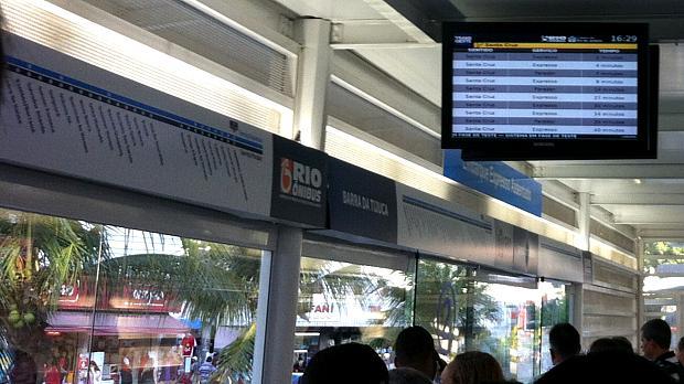 BRT Transoeste: circuito de TV informa em quanto tempo veículo chegará à estação