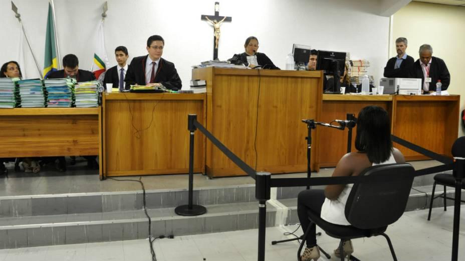 Célia Rosa Salles é ouvida no Tribunal do Júri