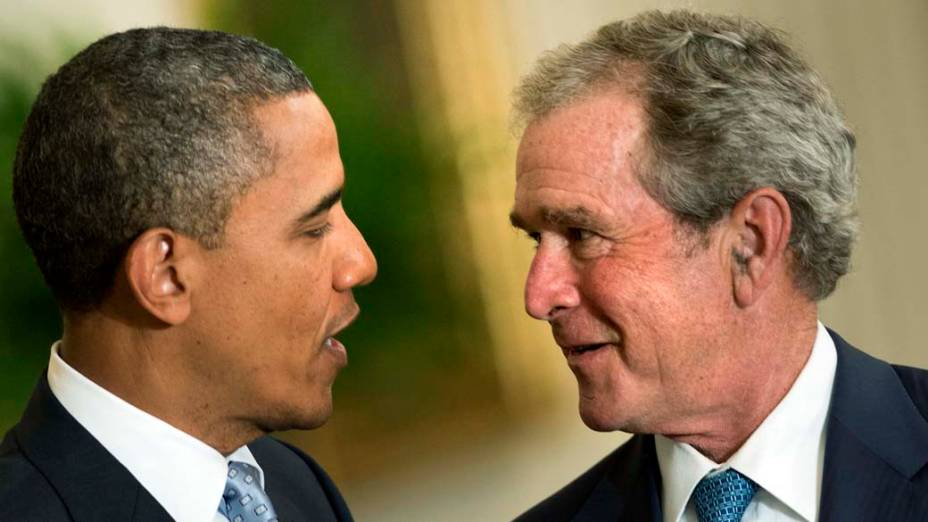 Obama e Bush durante visita de Bush à Casa Branca