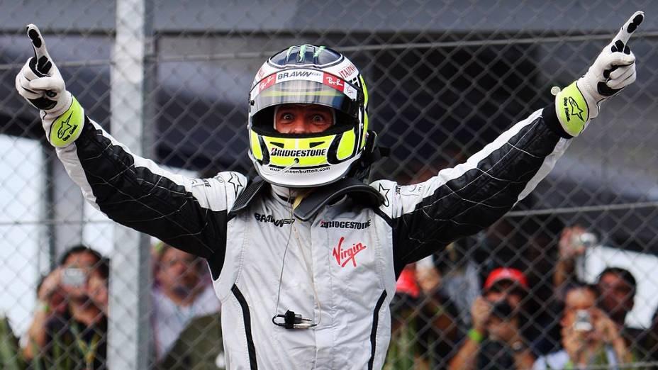 Jenson Button comemorando a vitória na Fórmula 1 de 2009