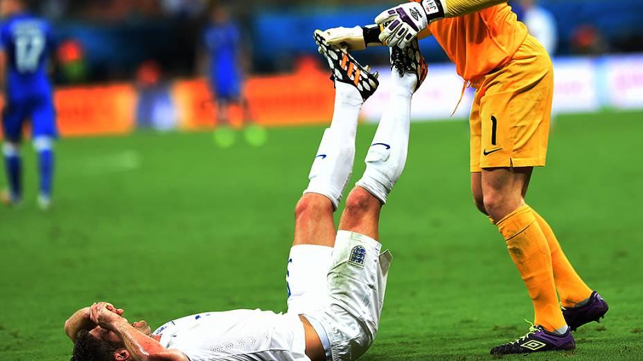 Jogadores sofreram com desidratação e câimbras na partida em que a Itália venceu a Inglaterra por 2 a 1, na noite deste sábado (14), na Arena Amazônia, em Manaus