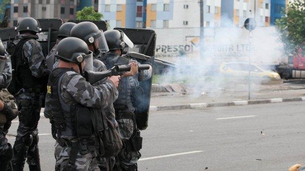 Policiais dispersam manifestação de camelôs no centro de São Paulo