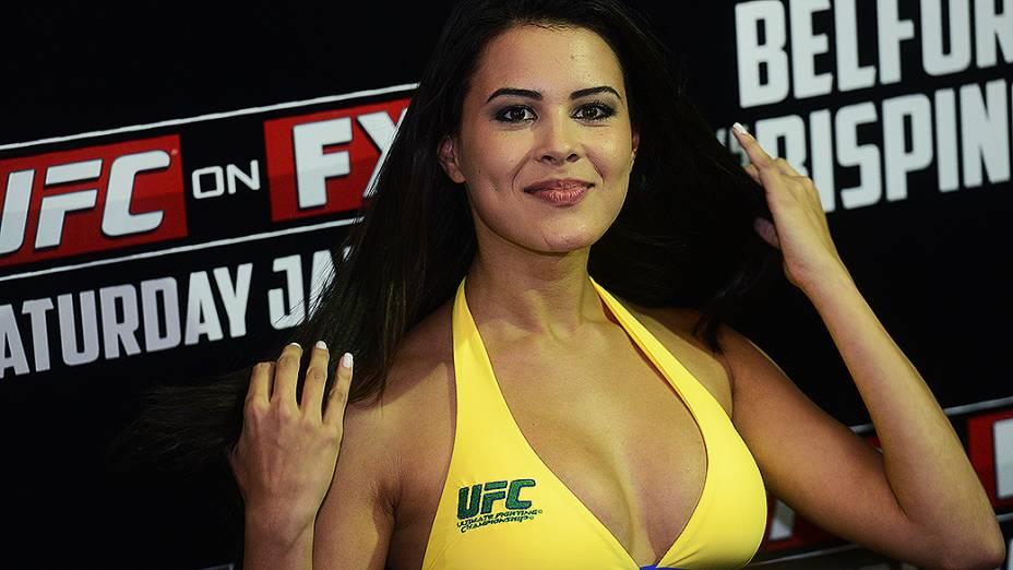 Camile Oliveira durante a pesagem do UFC São Paulo, no Ginásio do Ibirapuera