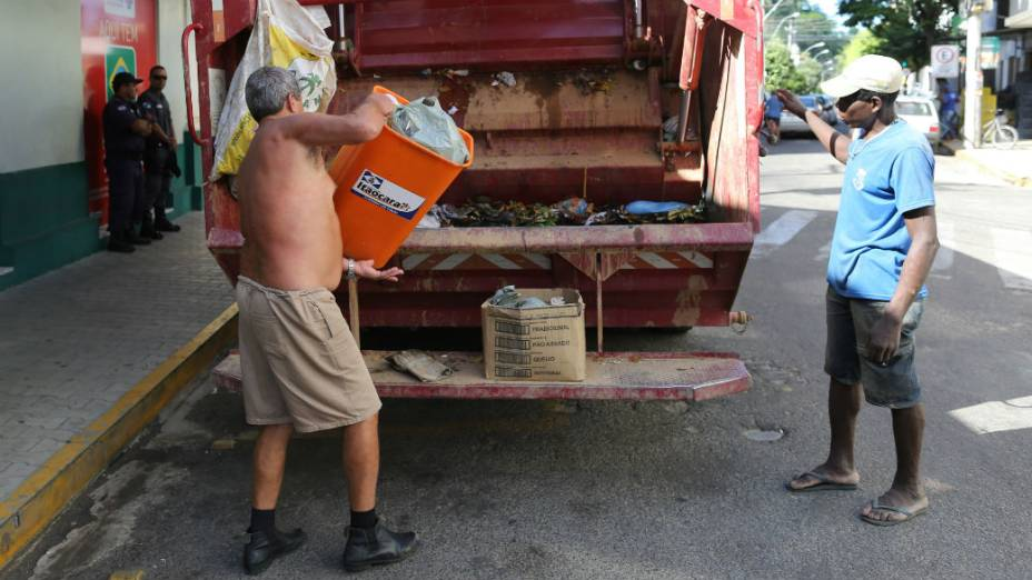 Caminhão de lixo de Itaocara, a primeira cidade governada pelo PSOL
