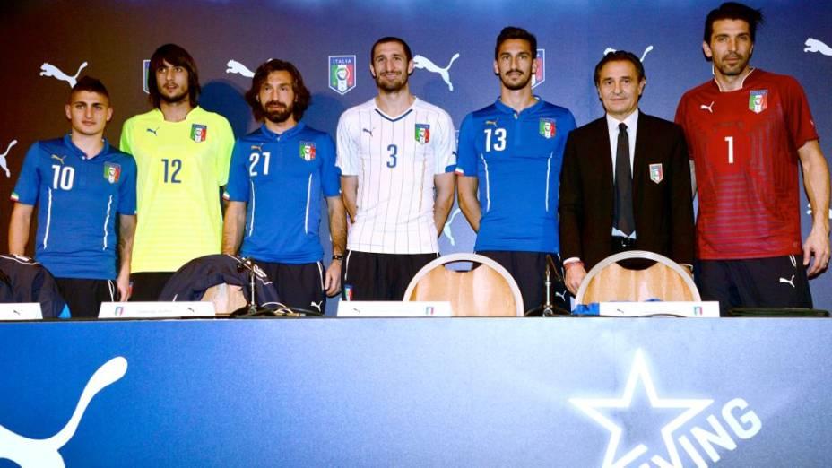 O lançamento da camisa da seleção italiana para a Copa do Mundo de 2014
