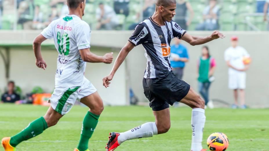 Leonardo Silva, do Atlético Mineiro, durante partida contra a Portuguesa
