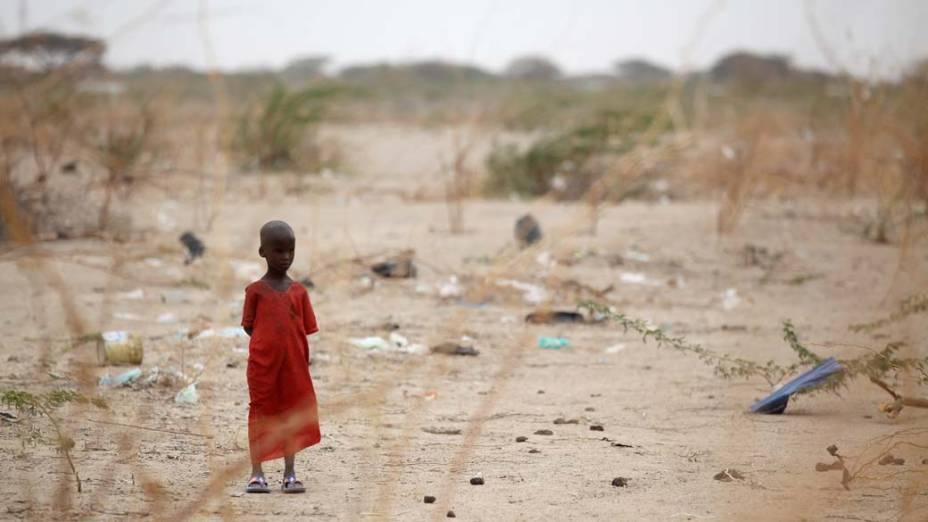 Criança em Dagahaley, no campo de refugiados de Dadaab, Quênia