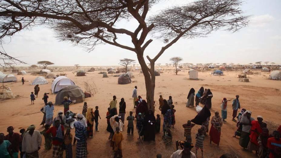 Refugiados somalis em Dagahaley, no campo de refugiados de Dadaab, Quênia