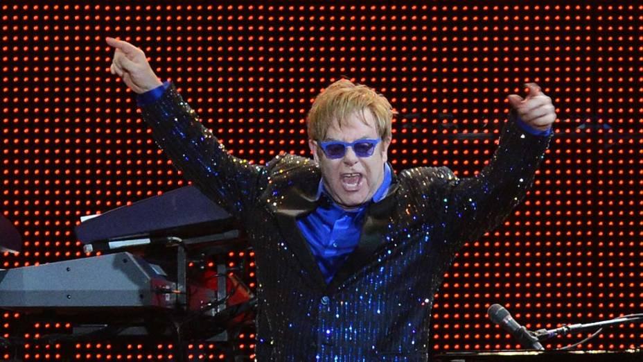 Elton John se apresenta na turnê Rocket Man no Jockey Club de São Paulo