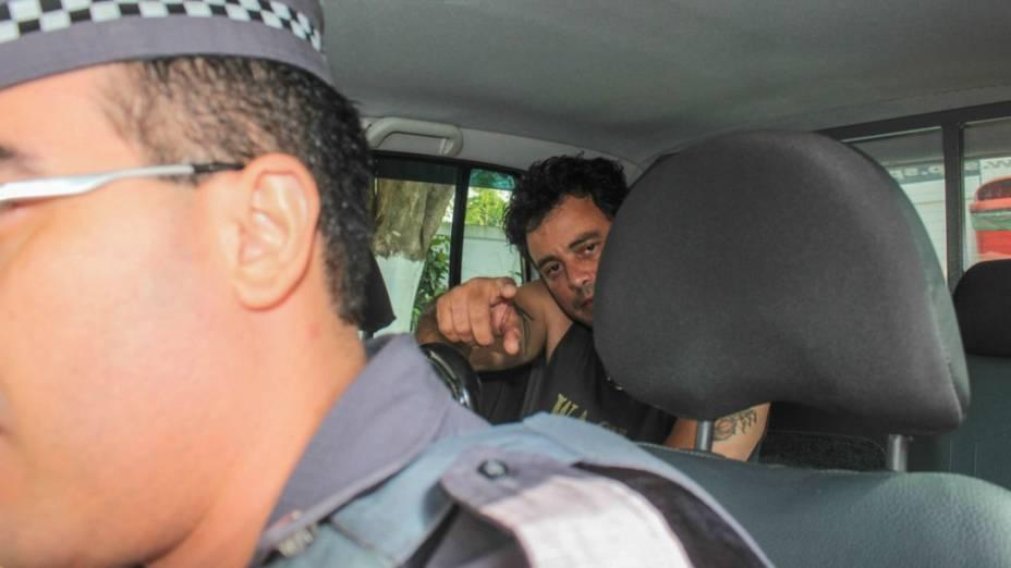 Suspeito de dirigir embriagado, Renner, da dupla sertaneja Rick e Renner, foi detido e encaminhado ao 27º Distrito Policial do Campo Belo. O cantor se envolveu em uma batida de carro na Rua Pedro Bueno, Jardim Aeroporto, zona sul de São Paulo