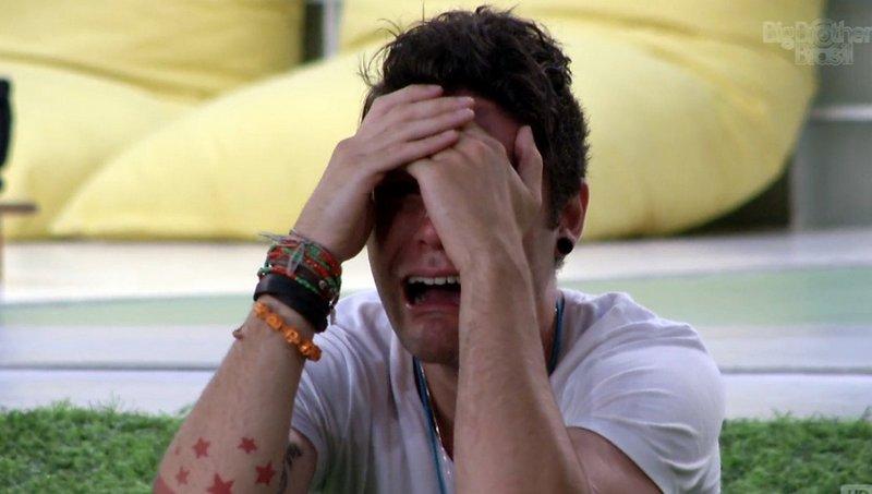 Nasser chora depois da eliminação de Marien